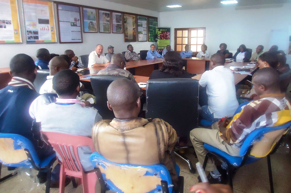 IITA DG and the Director for Central Africa addressing the staff at IITA Kalambo station