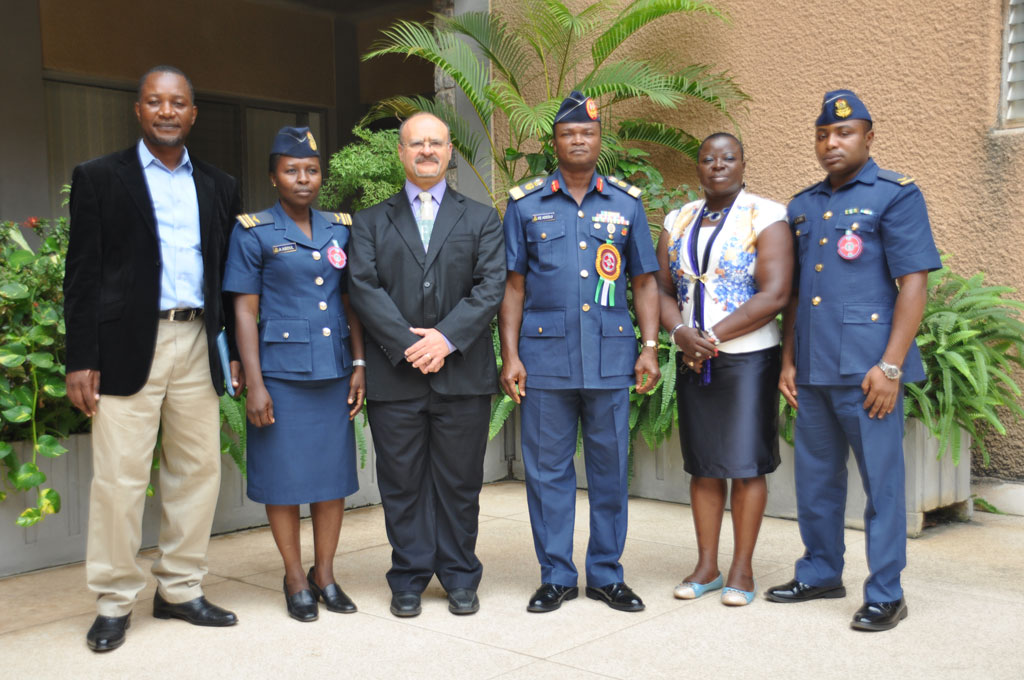 Dr Dashiell (3rd from left), Adediji (4th from left), and officials of the Nigerian Air Force Command, Ibadan with IITA officials