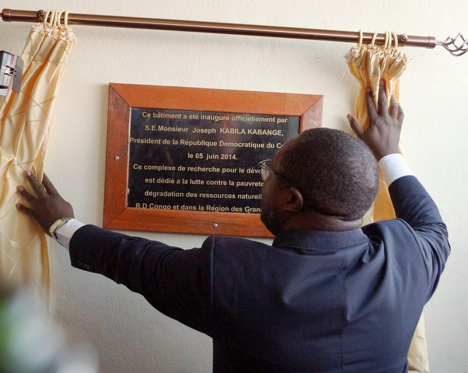 Hon. Jean Chrysostome Vahamwiti, representing President Joseph Kabila  unveiling the commemorative marker of the  Building