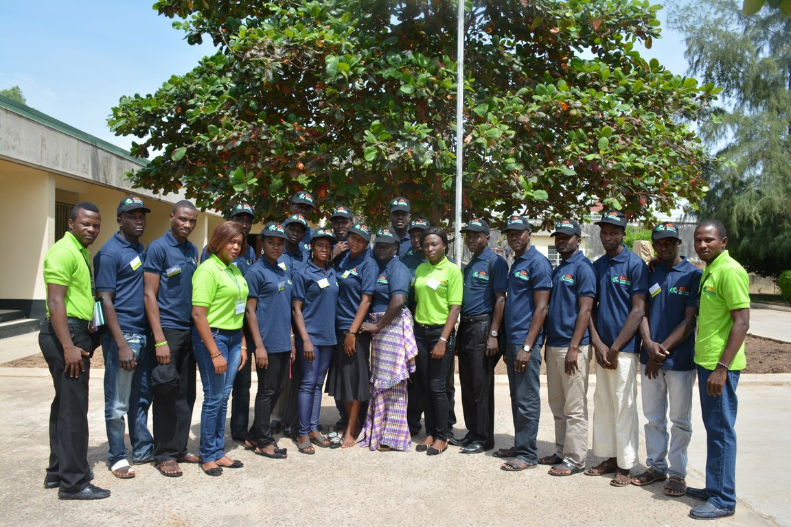 IITA agripreneurs (Lemon T-Shirt) and Borno youths (Blue T-Shirt) in a group photo during the training.