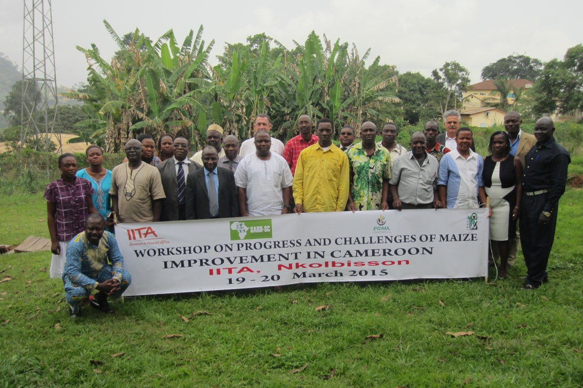 Maize Improvement Workshop participants pose for a group photo.