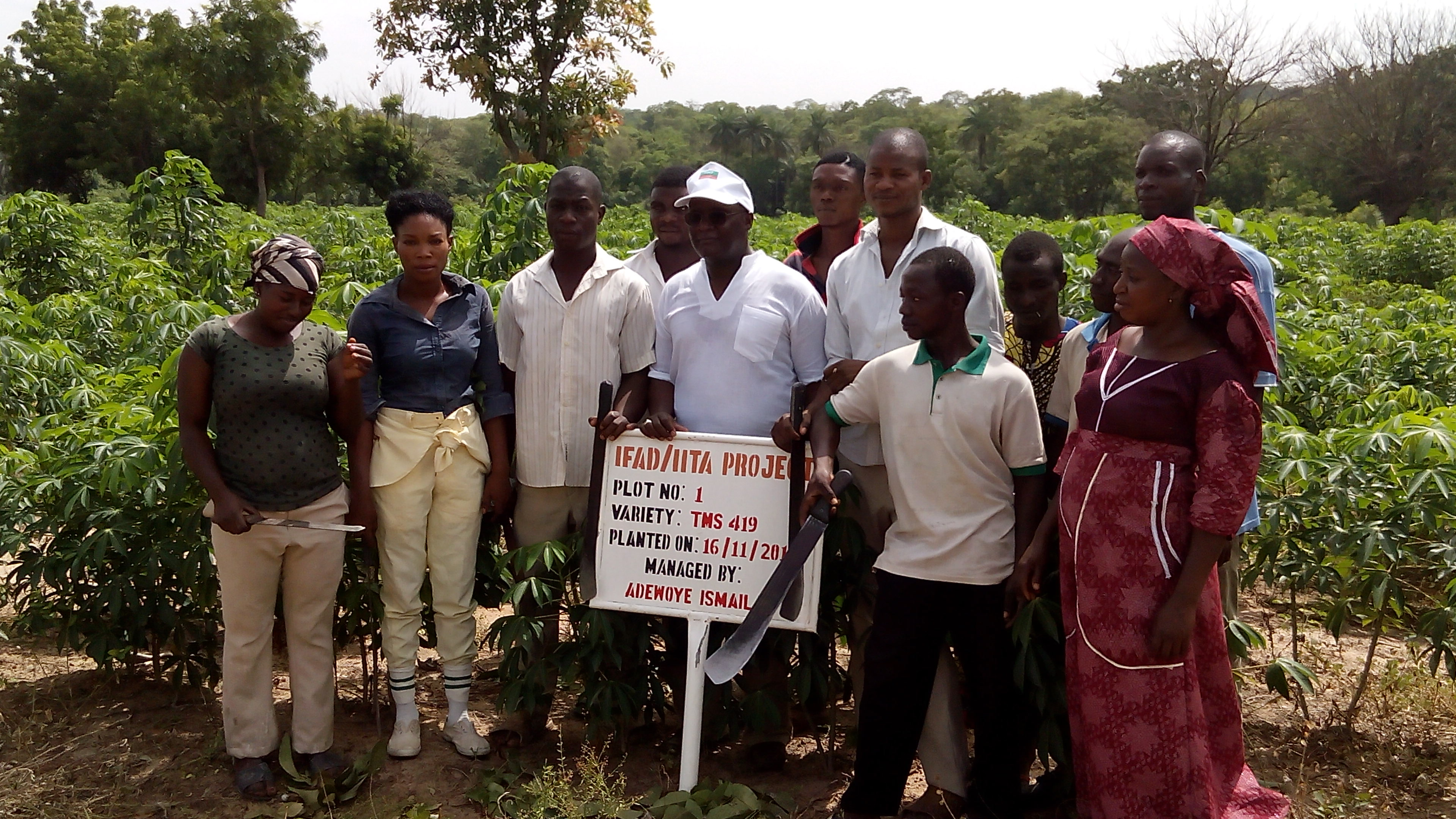 Dr Malu (wearing a white cap) with youth at WAHAN Farms, Ilorin.