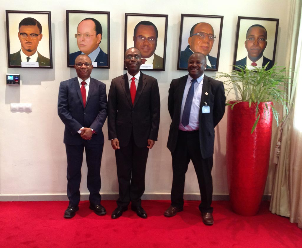 Picture of DG Nteranya Sanginga (right) and the DRC Prime Minister (center)