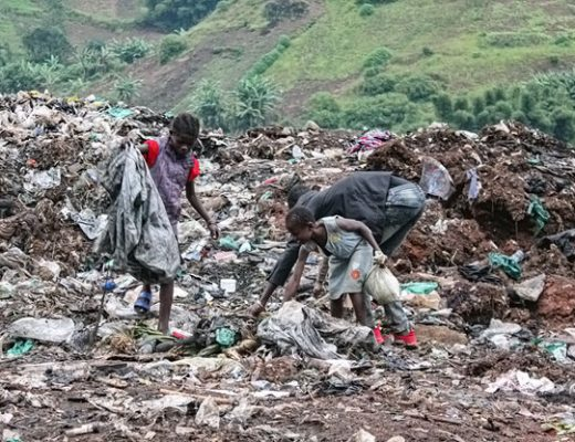 Waste management is still a challenge in many African cities (source: Internet)